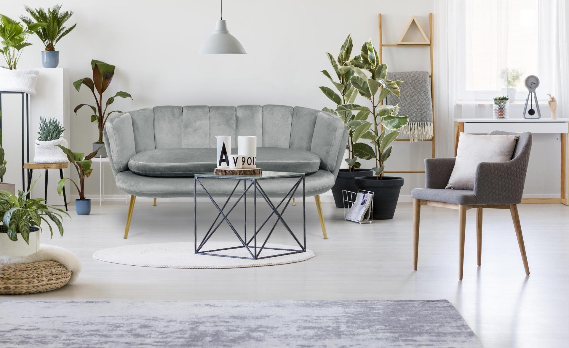 Brenda 2-Sitzer-Sofa mit Samtbezug und goldenen Beinen, Silber