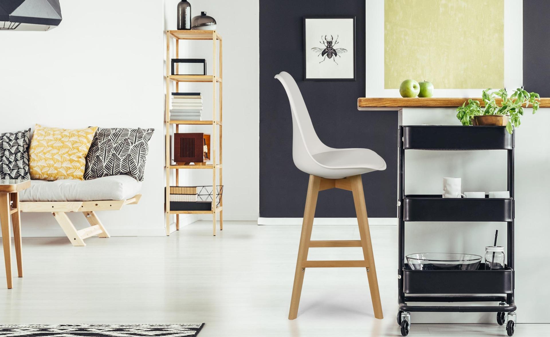 Bovary Set mit 4 skandinavischen Barhockern Weiß