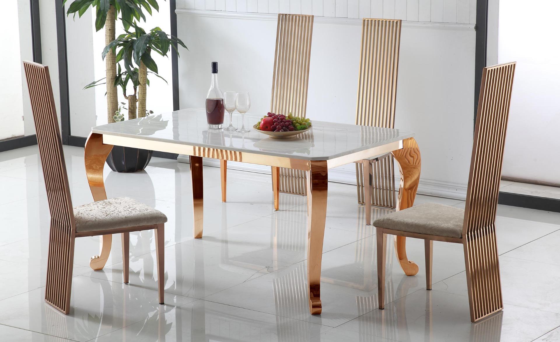 Padma Esstisch aus Marmor mit roségoldenen Tischbeinen